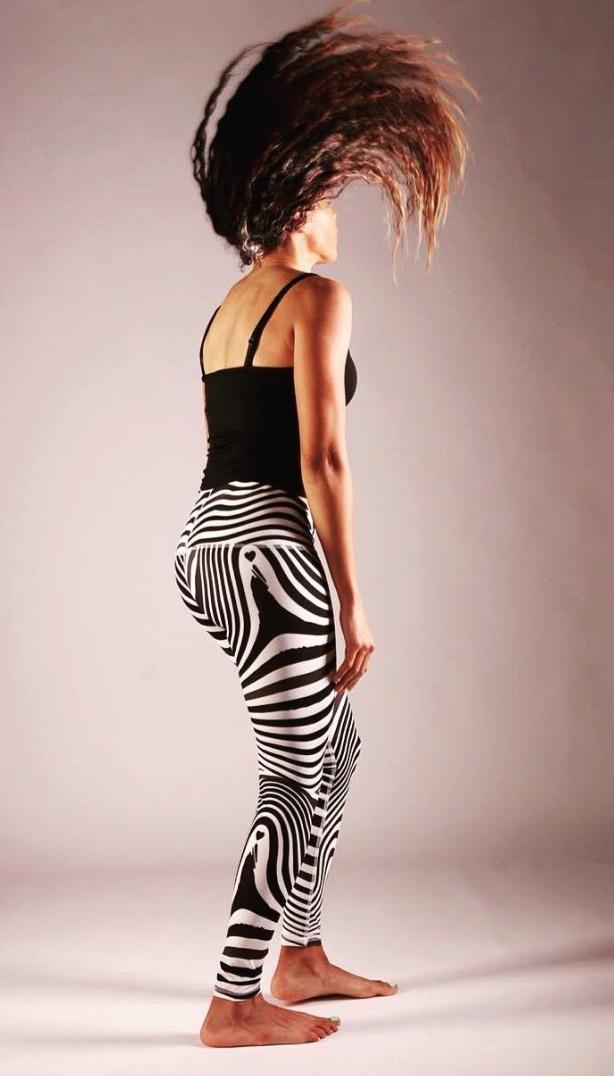 eco-leggings The Salvage yogawear recycled plastic zebra