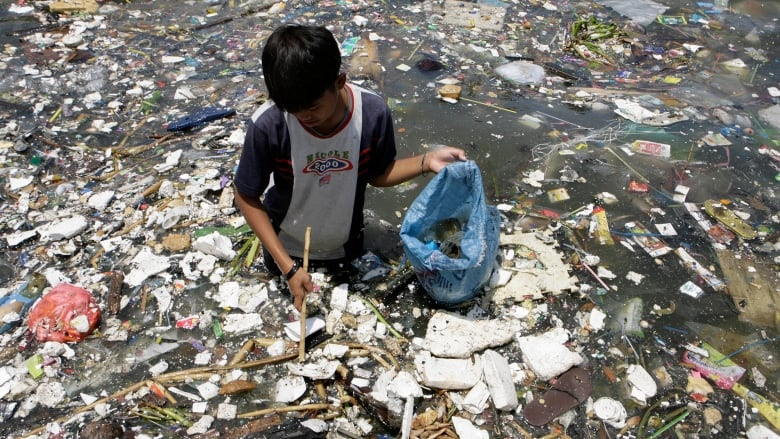 live sustainably plastic waste oceans Philippines