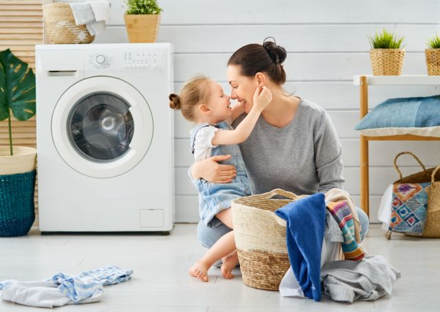 Toxin-free laundry with zero-waste detergents guide