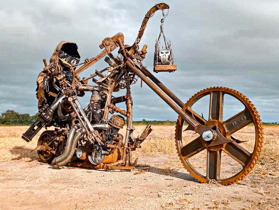 A renewed cultural storm of metal art sculpture using 100% recycled materials